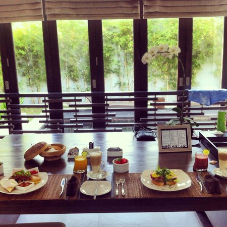 eqUILIBRIA SEMINYAK: Breakfast with a view