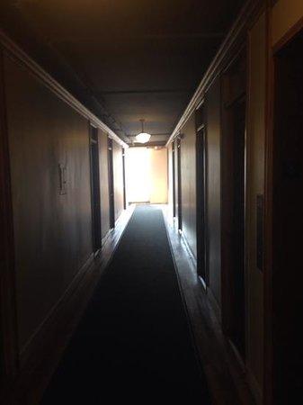 Hotel Normandie: hallway on the 4th floor