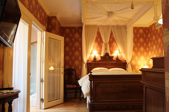 Thorp House Inn and Cottages: The Emma Suite