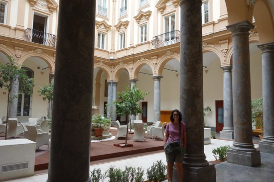 Grand Hotel Piazza Borsa: lobby