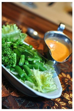 Sukajadi Hotel: FOOD