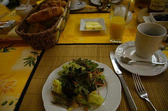 "Villa Thebaide : Not so petit ""petit dejeuner""."