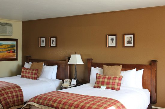 The Inn at Tomichi Village : Double Queen Room