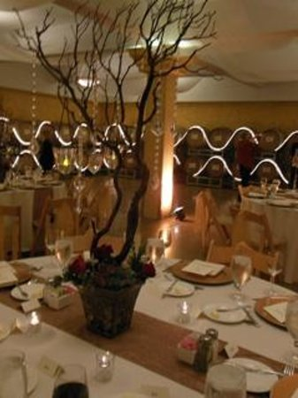 South Coast Winery Resort & Spa : Gold Barrel Room great for banquets, parties