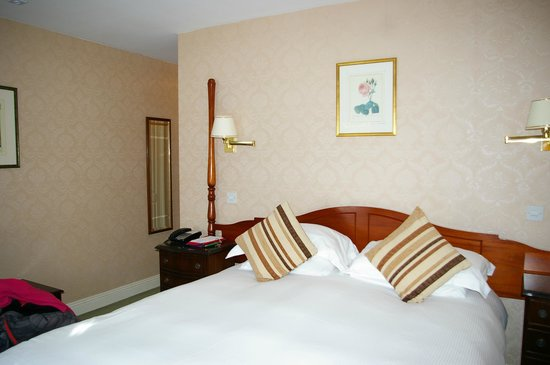 Greenhills Country Hotel: room 26