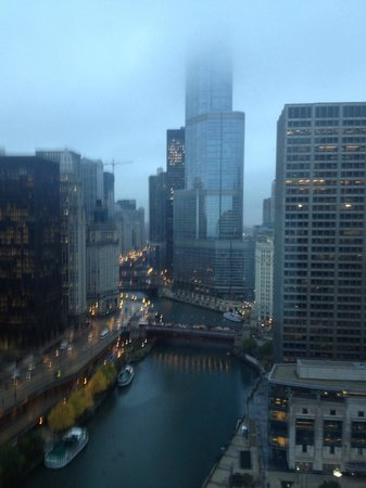Sheraton Grand Chicago: Chicago river view from our room