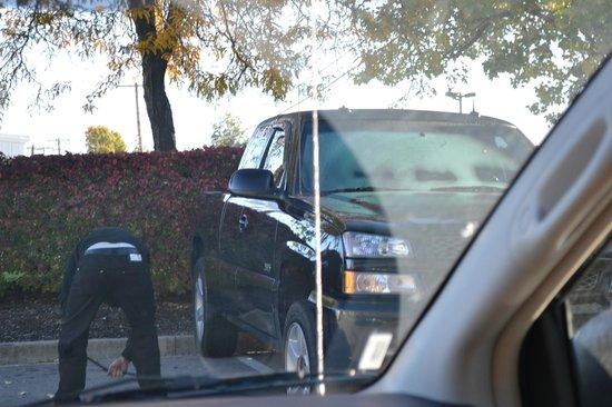 Crossland Economy Studios - Lexington - Patchen Village: mans tire was slashed