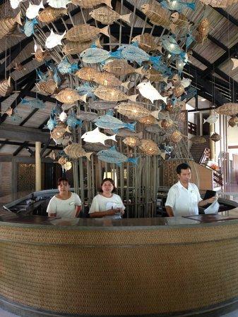 Cape Panwa Hotel: Reception area