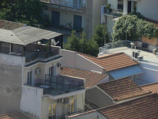 Byron Hotel: l'hôtel Byron vu de l'Acropole