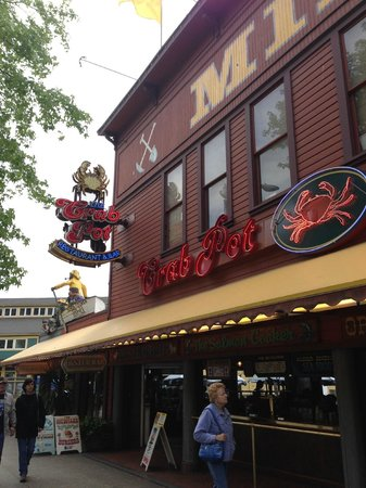picture of the crab pot seafood restaurant seattle tripadvisor