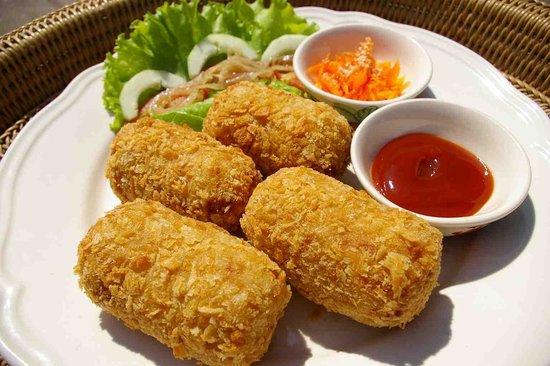 Cafe Chai Dee : Vegetarian Croquette (Japanese Style Potato & Vegetable Croquette)