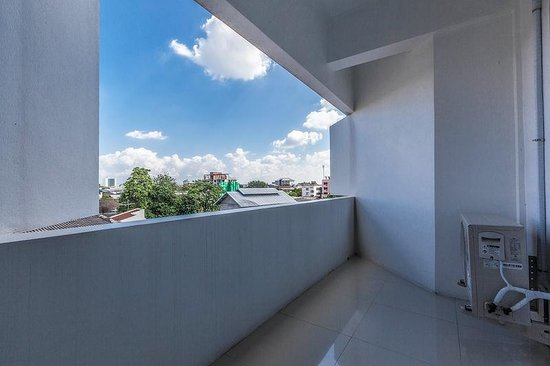 Noble House: Decent size private balcony with view