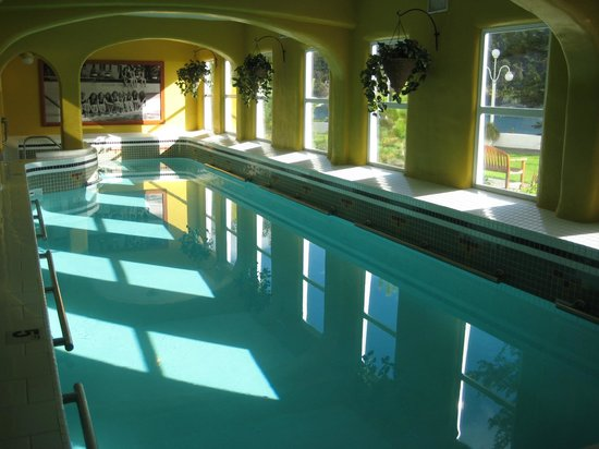 Rosario Resort and Spa: Vintage indoor pool.