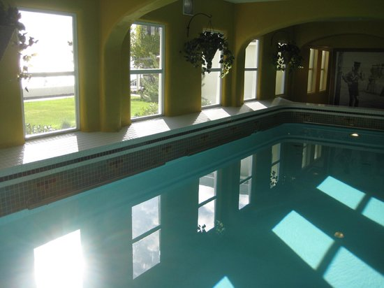 Rosario Resort and Spa: Indoor Pool.