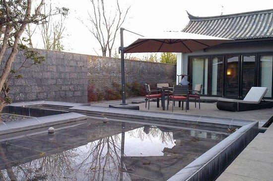 Pullman Lijiang Resort & Spa: Deluxe villa patio