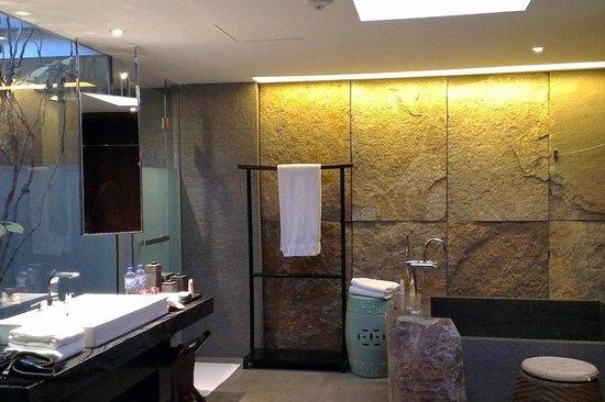 Pullman Lijiang Resort & Spa: Deluxe villa bathroom