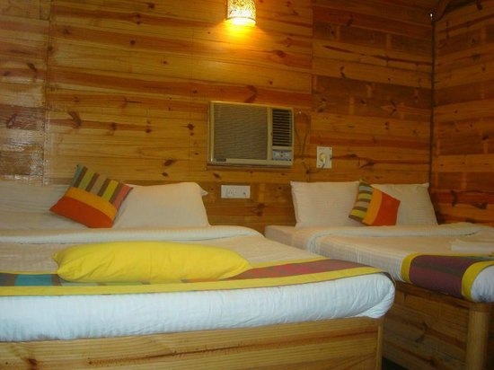 Hotel Viva Goa International: Sea view Wooden cottage