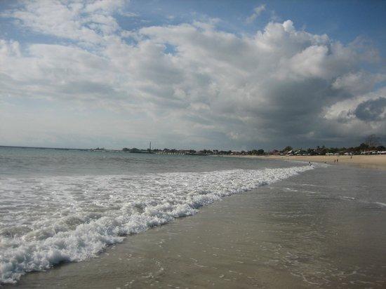 The Pavilions Bali : Jimburan beach