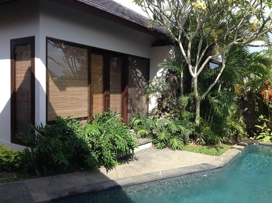 Park Hotel Nusa Dua: One bedroom with spacious bathroom