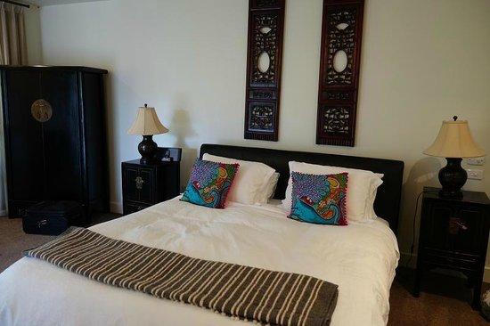 Provenance Accommodation: Lovely room