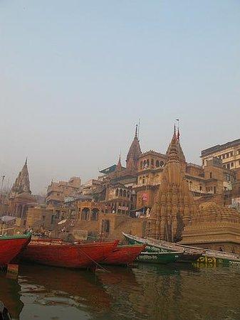 Ganpati Guest House: Ganges River