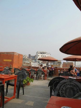 Ganpati Guest House: Rooftop area at Ganpati guesthouse