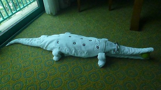 Atlantis, The Palm: crocodile towel