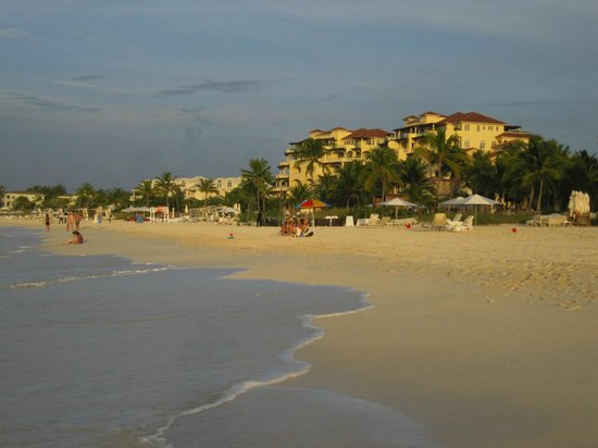 Looking back at the resorts from the Villa del Mar beach area