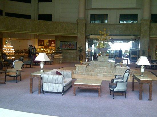 Le Royal Meridien Chennai: lobby