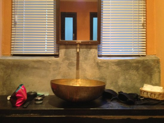 Blue Hill Beach Resort: Bathroom