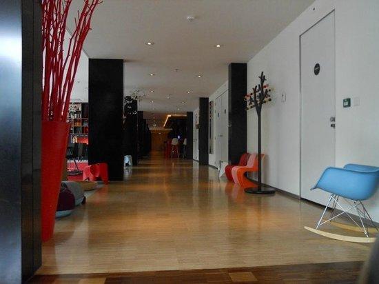 citizenM Amsterdam: Design living room 3