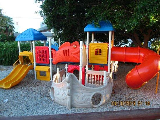 Sun Beach Resort Complex: Детский городок. Один из трех