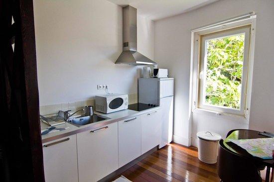 Travellers House - Studios: кухня