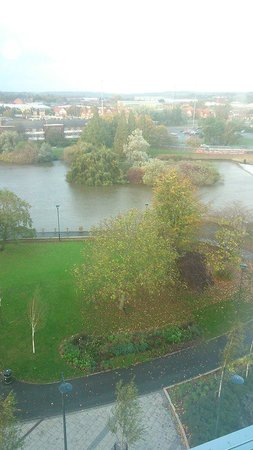 Hampton by Hilton Derby City Centre: This is the view from the bar window overlooking the River Derwent and its walkway
