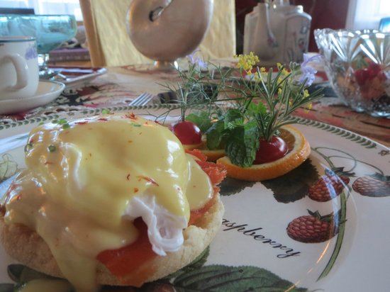 The Pine & Picket B&B: Yum