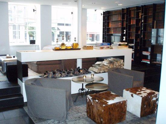 Sir Albert Hotel: Comfortable Foyer