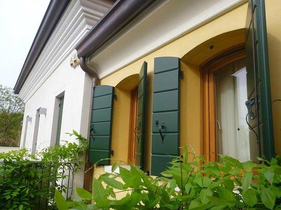 Al Piccolo Clarin: unser Zimmer von aussen vom Balkon aus