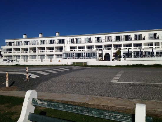 Arniston Spa Hotel: From Beach up to Hotel