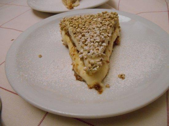 Ristorante Al Balaor : tiramisu con la granella di nocciola