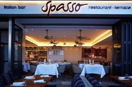 Spasso Italian Bar & Restaurant: facade