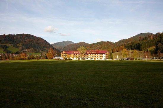 Komplettansicht Hotel Gut Steinbach