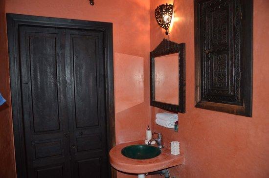 Ksar Shama: Bathroom