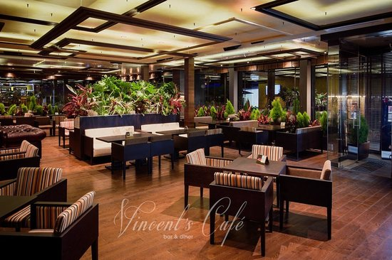 Vincent's Café Bar & Diner