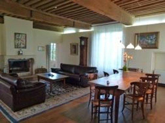 Château de Besseuil: Ein Wohnzimmer, das man gerne zu Hause hätte