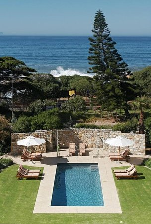 Rodwell House : Luxuriate in outstanding sea and garden views