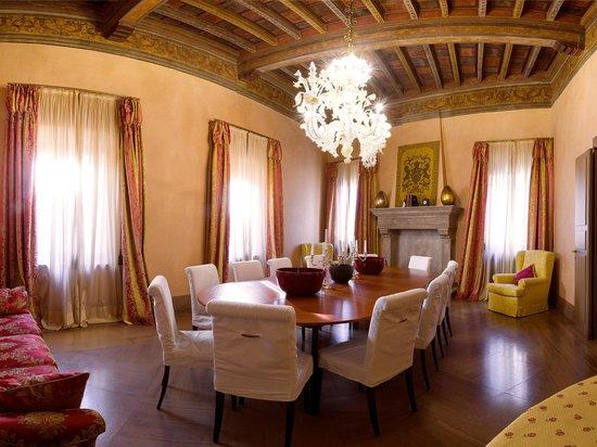 Salotto Rosa - Picture of Albergo Cappello 7d616159fd0a