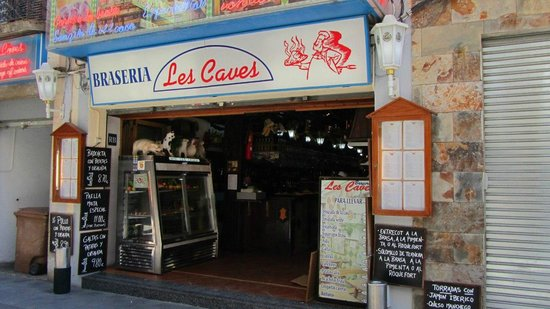 Braseria Les Caves: Вид с улицы