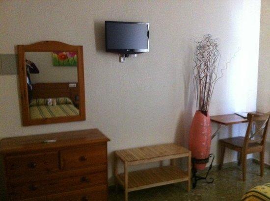 Hotel Sandra: HABITACIONES
