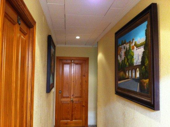 Hotel Sandra: PASILLO