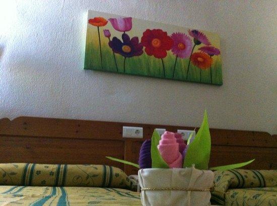 Hotel Sandra : NUESTROS CUADROS
